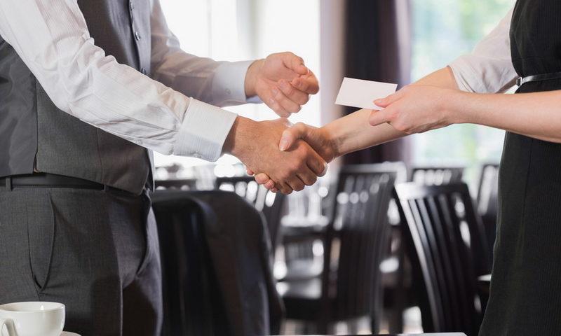 Χάρτινες επαγγελματικές κάρτες τέλος