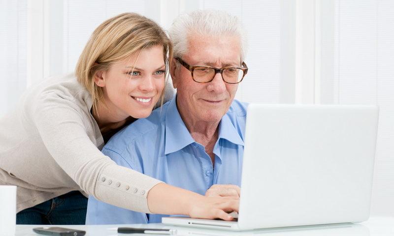 Πώς να μάθεις στους παππούδες σου να χρησιμοποιούν την τεχνολογία