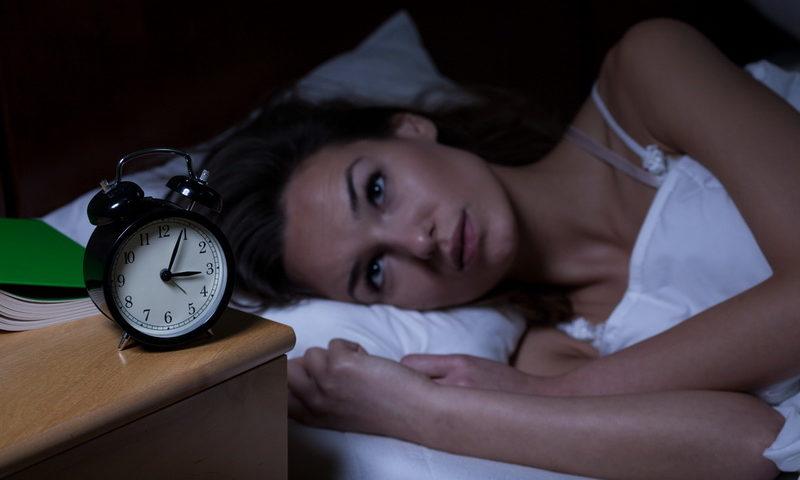 Έχεις αϋπνίες; Το έξυπνο σπίτι σου μπορεί να σε βοηθήσει